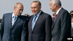 Слева направо: Путин, Назарбаев и Каримов