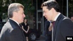 Претседателот Ѓорге Иванов и министерот за надворешни работи Никола Попоски.