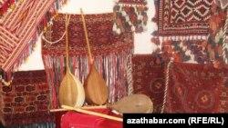 Türkmen saz gurallary