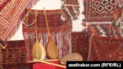 Sahy Jepbar öz aýdym-sazy bilen türkmen halkyna 60 ýyl çemesi hyzmat edip bildi.