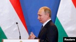 Putin u Budimpešti mirno govori da su Ukrajinci sami sebe bombardirali: Levčenko