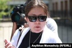 Правозащитница Асель Нургазиева. Актау, 7 мая 2012 года.
