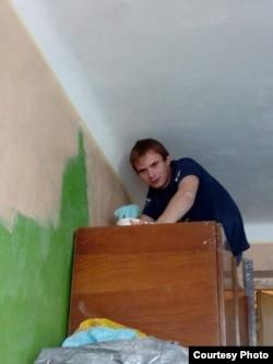 Юрий Изотов ремонтирует квартиру в Северодонецке