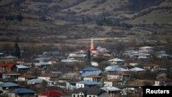 Вид на село в Панкисском ущелье. 12 декабря 2015 года.