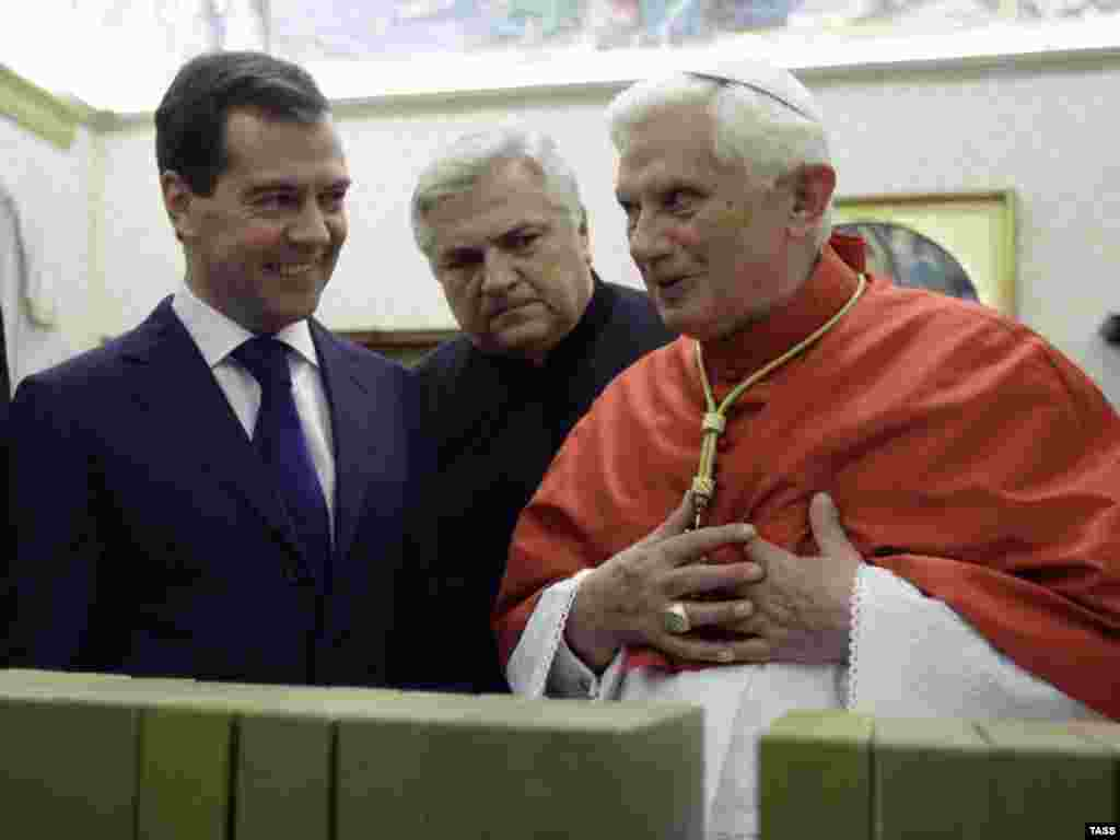 Pope Benedict meets with Russian President Dmitry Medvedev (left) in December 2009.