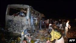 Pamje nga një sulm i mëparshëm kundër një autobusi në Pakistan