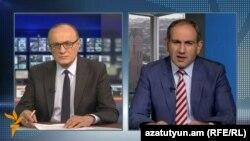 Директор Радио Азатутюн Грайр Тамразян (слева) и депутат НС Армении Никол Пашинян, 3 июля 2016 г.