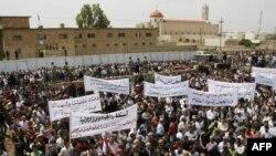 مظاهرة احتجاجية لمسيحيين في الحمدانية بمحافظة نينوى. ايار 2010
