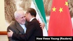 Mohammad Javad Zarif i Wang Yi u Pekingu