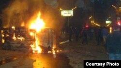 Հրդեհված մեքենա, Երեւան, 1-ը մարտի, 2008թ.