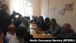 Пресс-конференция депутатов Избербаша в Махачкале