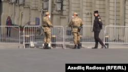 პოლიცია და შინაგანი ჯარი ბაქოს ქუჩებში, 2020 წლის აპრილი