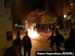 Огонь на улицах Барселоны в ночь на воскресенье