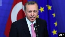 Թուրքիայի նախագահ Ռեջեփ Էրդողանը հայտարարությամբ է հանդես գալիս Բրյուսելում, 5-ը հոկտեմբերի, 2015թ․