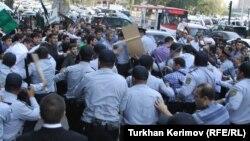 Təhsil Nazirliyi qarşısında aksiya, 05Oct2012