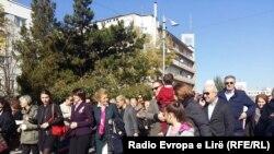 Qindra njerëz kanë marshuar sot në Prishtinë në kuadër të fushatës për kurimin e kancerit në gji