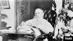 Лев Толстой 80 яшендә