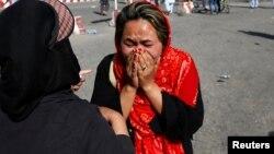 در افغانستان نهادهای مختلف مدافع حقوق زنان فعالیت دارند