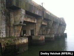 Заброшенная база подводных лодок Кероман