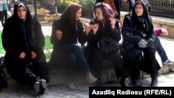 İranlılar Bakıdakı Novruz şənliklərində.