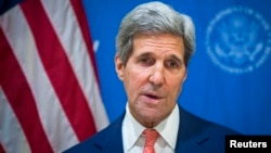 India -- U.S. Secretary of State John Kerry announces a 72-hour humanitarian ceasefire between Israel and Hamas, while in New Delhi August 1, 2014.