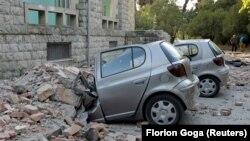Dva zemljotresa jačine 5,6 i 5,2 stepena Rihterove skale pogodila su u subotu Albaniju