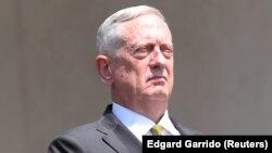د امریکا د دفاع وزیر جېمز مېټس