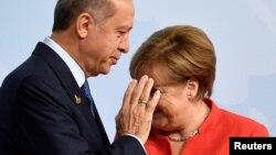 R.T.Erdoğan və A.Merkel