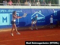 Теннисистка Зарина Дияс. Прага, 13 июля 2010 года.