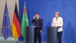 Berlin: Berdimuhamedow Merkel bilen duşuşdy