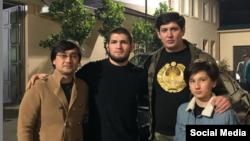 Хабиб Нурмагомедов с зятьями и внуком президента Узбекистана Шавката Мирзияева.