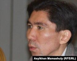 Досим Сатбаев, таҳлилгари қазоқ