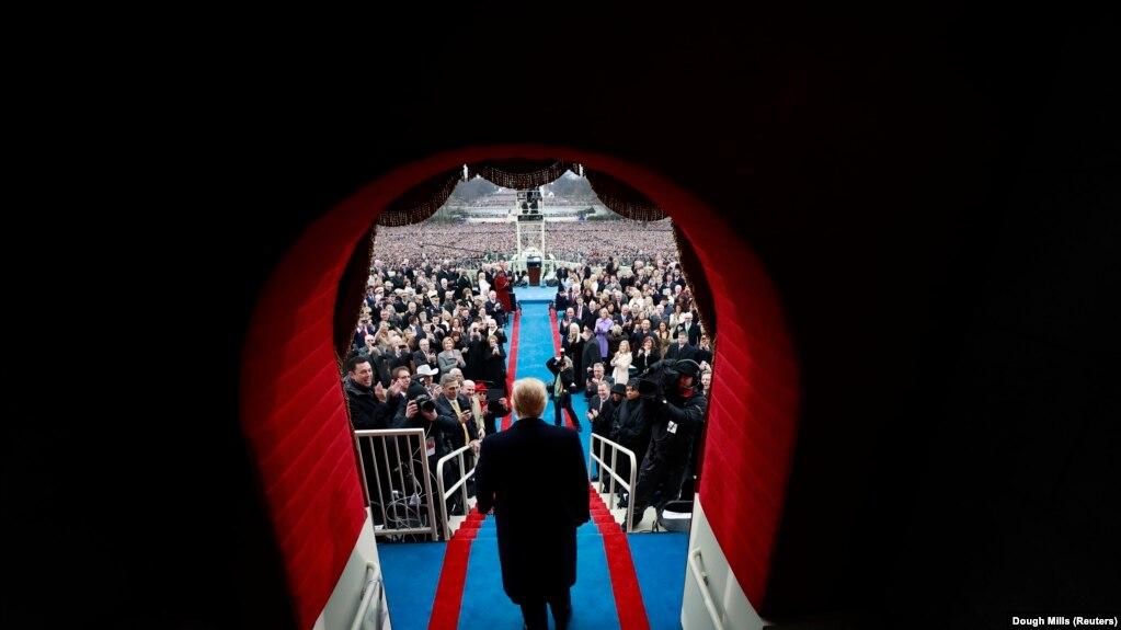 Додситонӣ аз кумитаи савгандёдкунии Трамп ҳуҷҷат талаб кард