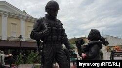 Памятник «вежливым людям» в Симферополе. Архивное фото