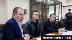 Заседание суда по делу Устинова