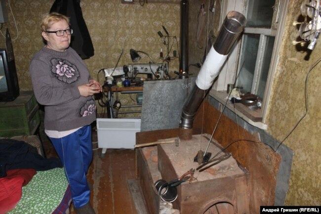 Буржуйка в бараке у соседей Федоровой