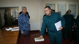 Police officers in Yukorichirchik swear not to take bribes.