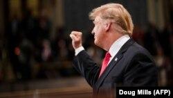 Сполучені Штати будуть продовжувати боротьбу із залишками екстремістської організації, незважаючи на виведення військ США з Сирії, додав Дональд Трамп
