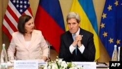 Джон Керрі та Вікторія Нуланд в Женеві, 17 квітня 2014 року