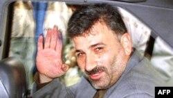 حسین لقمانیان پیش از این در سال ۱۳۸۰ به خاطر نطق خود در مجلس بازداشت شده بود