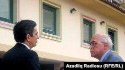 Слева направо - Али Керимли и Иса Гамбар, 14 июля l2010