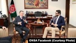حمدالله محب مشاور امنیت ملی افغانستانبا پیتر پراگل سفیر جرمنی در کابل