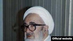 آیت الله منتظری در دو دهه اخیر از سیاست های مقام های جمهوری اسلامی ایران انتقادهای شدیدی کرده است.