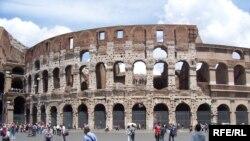 Амфітеатр Колізей стоїть майже дві тисячі років