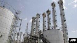 Иранның Арак қаласында салынып жатқан ядролық реактор құрылысы.