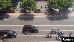 Полиция преследует террористов в Джакарте 14 января
