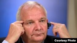 Президенту Европейской народной партии Джозефу Даулу в Тбилиси, по всей видимости, не удастся избежать неудобных вопросов. Фото: novost.ge