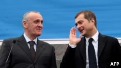 Многие в Абхазии задаются вопросом: можно ли считать визит Владислава Суркова некоторой поддержкой Александра Анкваб?