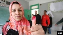 به گفته دولت مصر، حدود ۲۷ درصد از مردم که حق رای دارند در اين همه پرسی شرکت داشتند.