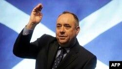 Первый министр Шотландии Алекс Салмонд на пресс-конференции в Эдинбурге после подписания соглашения о проведении референдума по независимости Шотландии.